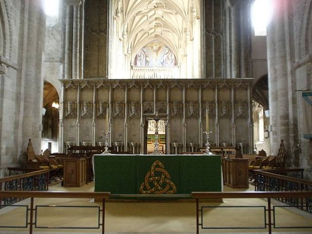 Christchurch Priory nave alter