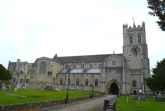 Christchurch Priory full exterior