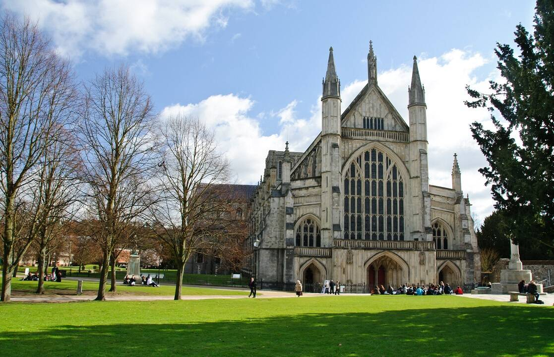 Who is buried at Winchester Cathedral